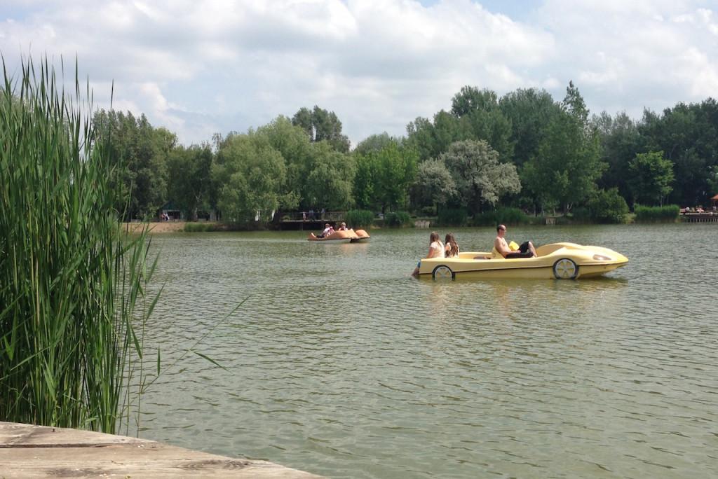 Vízibiciklizés Sóstón - Csónakázó tó