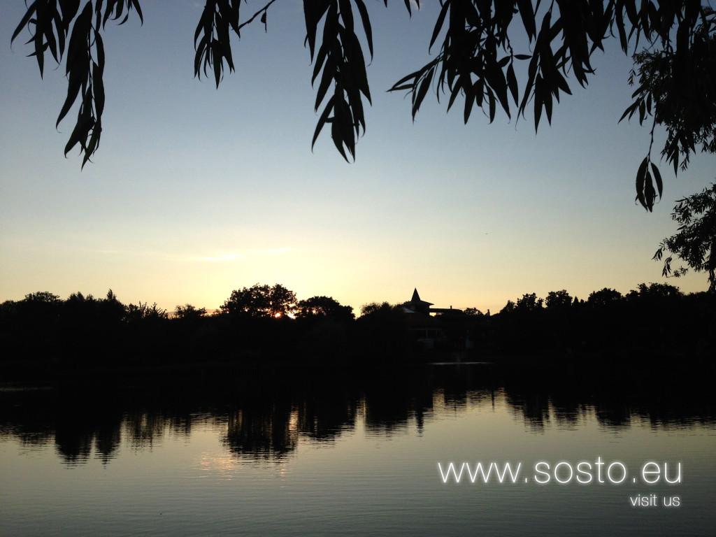Sóstói tó napnyugtakor
