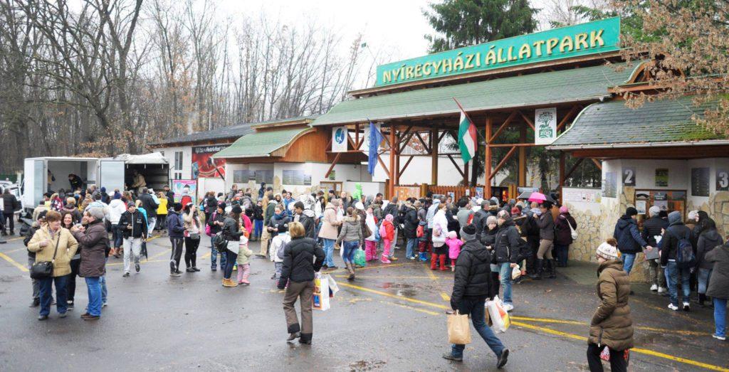 Nyíregyházi Állatpark - 100Ft-os nap - a látogatók ajándékokat hoznak